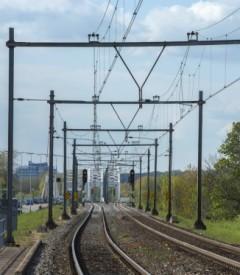 Scheffer adviseert Brussel over verbindingen over de grens